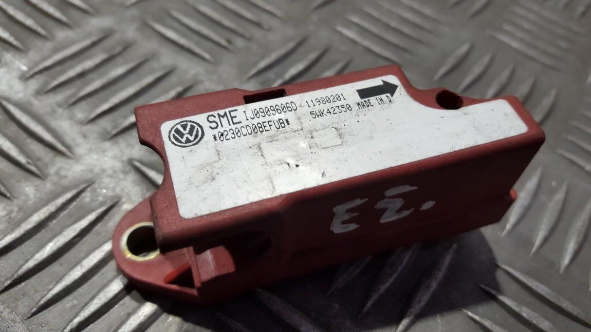 Srs Airbag crash sensor Audi A3 2000    0.0 IJ0909606D