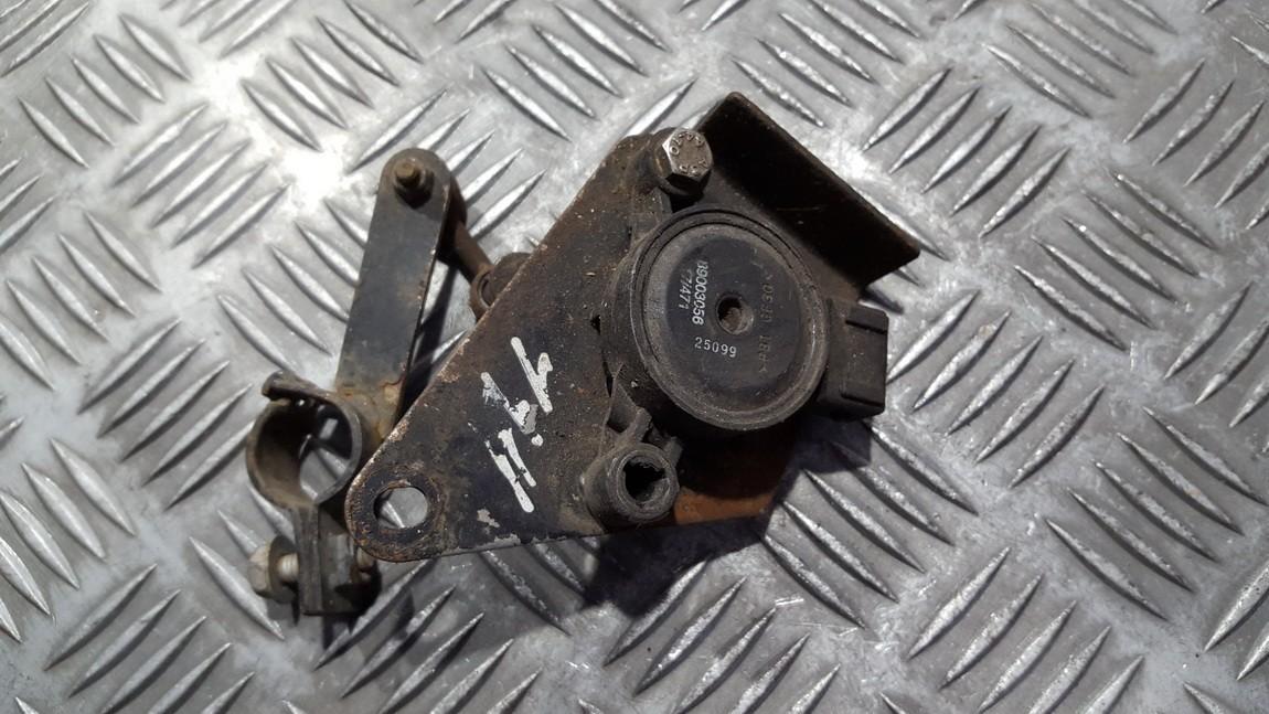 Датчик пневматической подвески Nissan Primera 2000    2.0 89003056