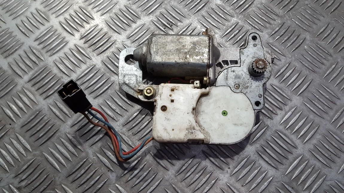 маторчик на люк Volkswagen Passat 1992    0.0 0130821812