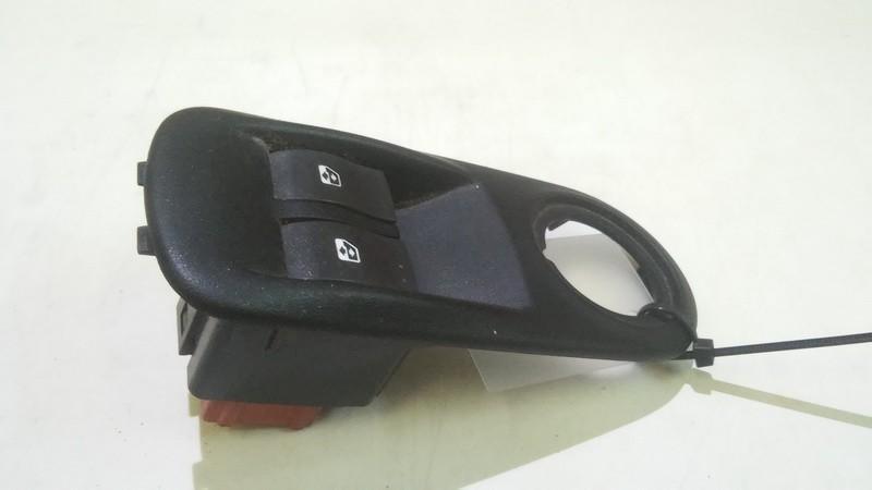 блока управления стеклоподъемниками (Knopka) 8200206602 used Renault MASTER 2005 2.5