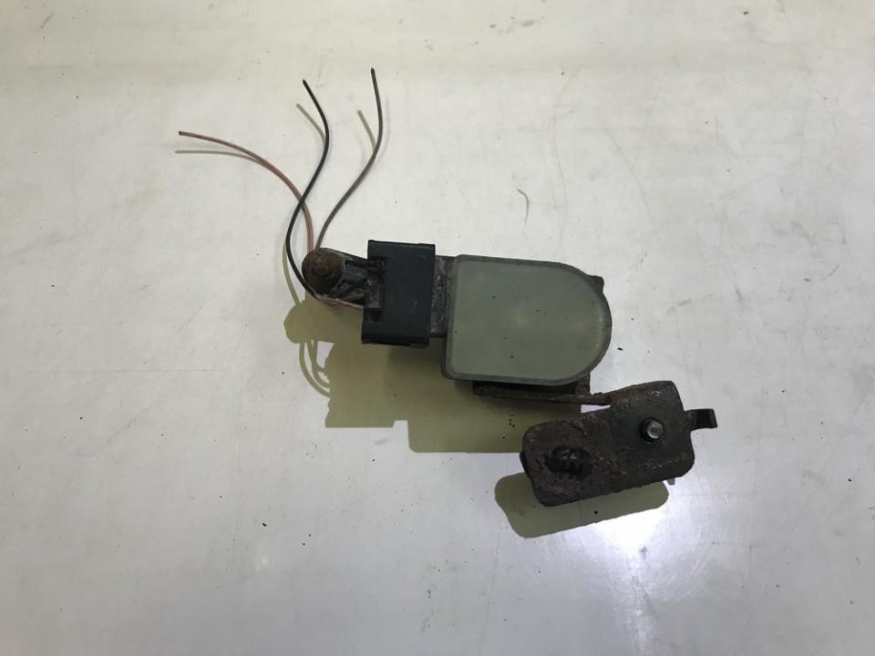 Датчик пневматической подвески Renault Laguna 2003    0.0 8200000772