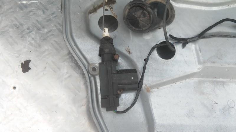 Центральный замок мотор двери Seat Ibiza 2005    1.4 used