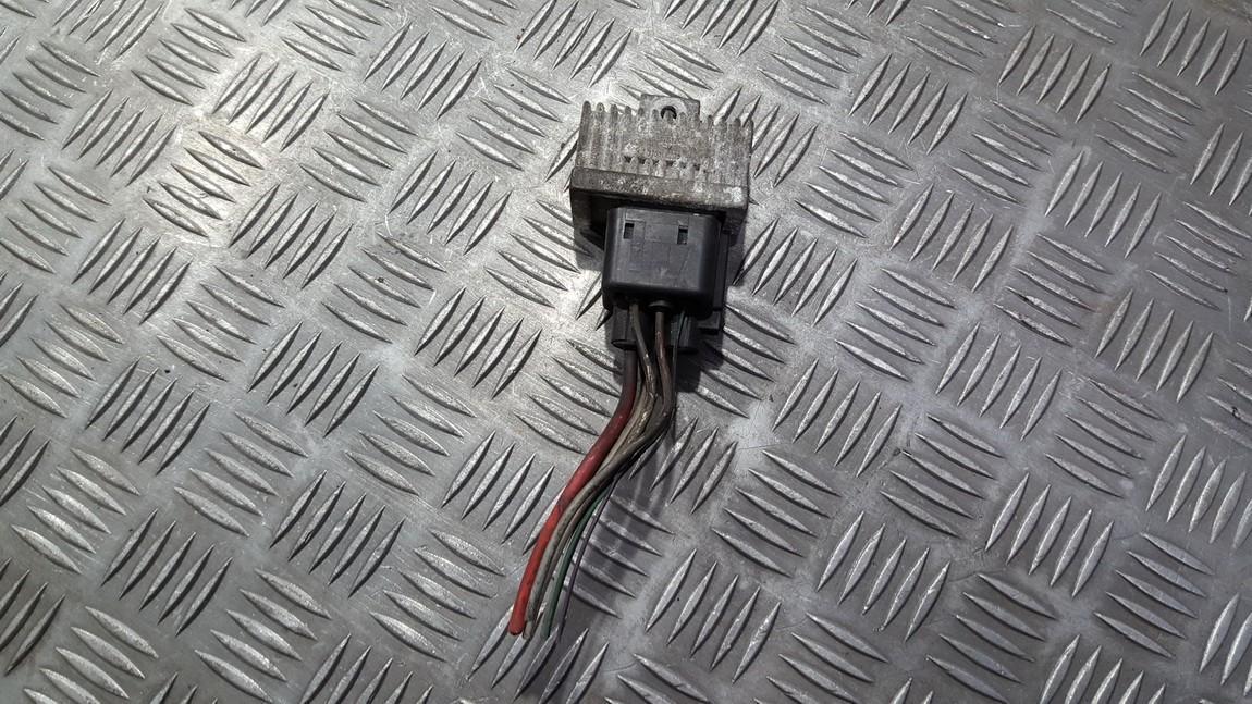 блок управления свечами накаливания Renault Kangoo 2000    1.5 7700115078