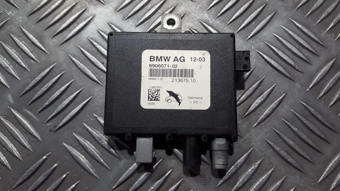 Блок электронный Антенна BMW 3-Series 2003    0.0 21367510