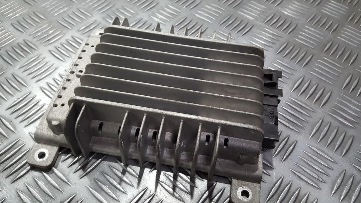 Стерео усилители Nissan Murano 2006    0.0 28060CB00C