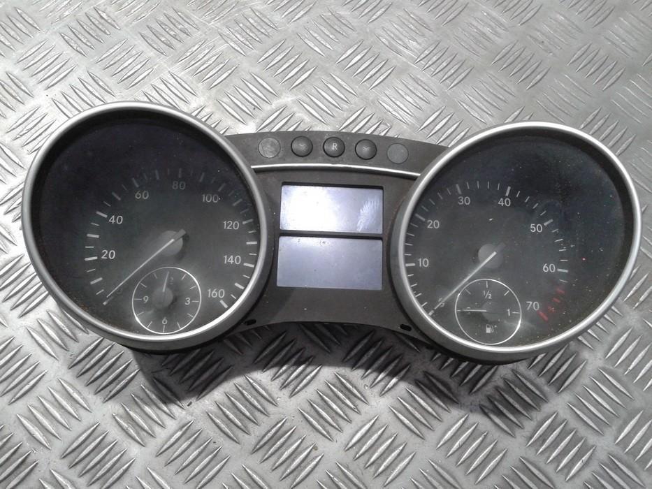 Spidometras - prietaisu skydelis A1645404047 A2C53118449 Mercedes-Benz ML-CLASS 2000 2.3