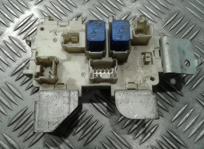 Speaker Fuse Box additionally Ipdm furthermore Nissan Xterra Fuel Pump Location besides Nissan Xterra Windshield Washer Pump Location likewise S13 Fuel Pump Location. on fuse box for 2006 xterra