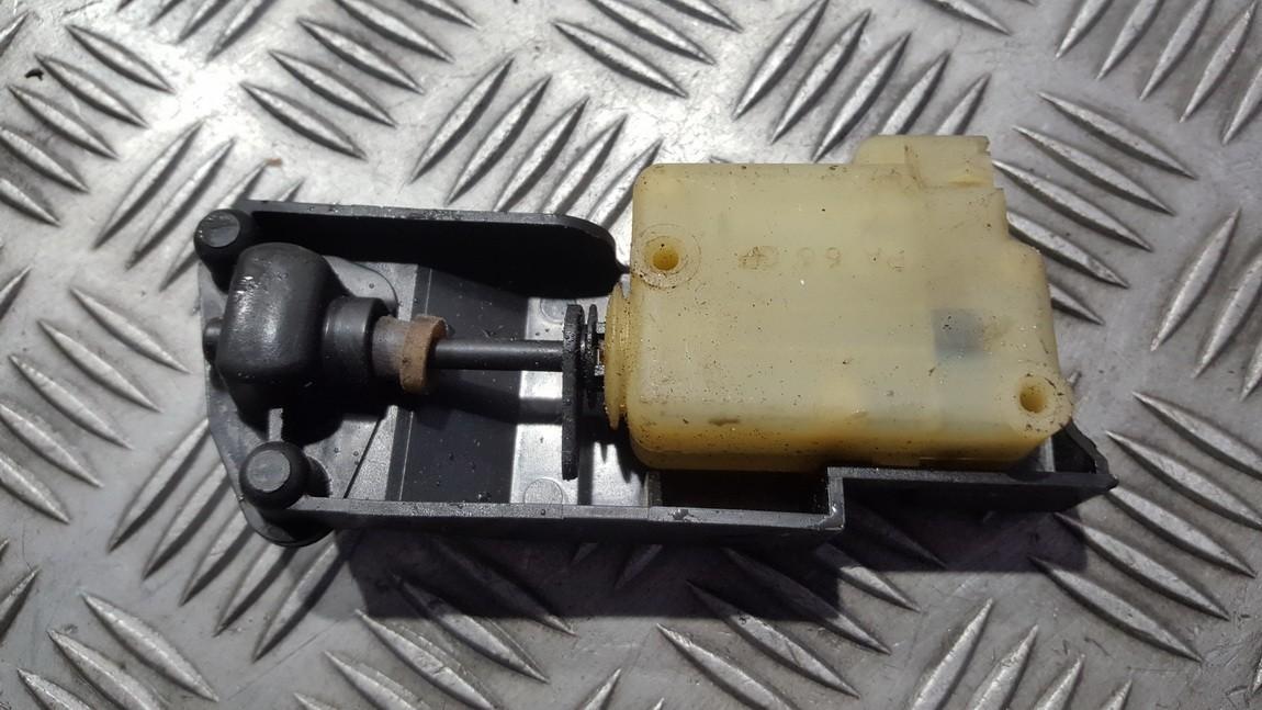 Центральный замок мотор двери Volvo V70 2000    0.0 9483311