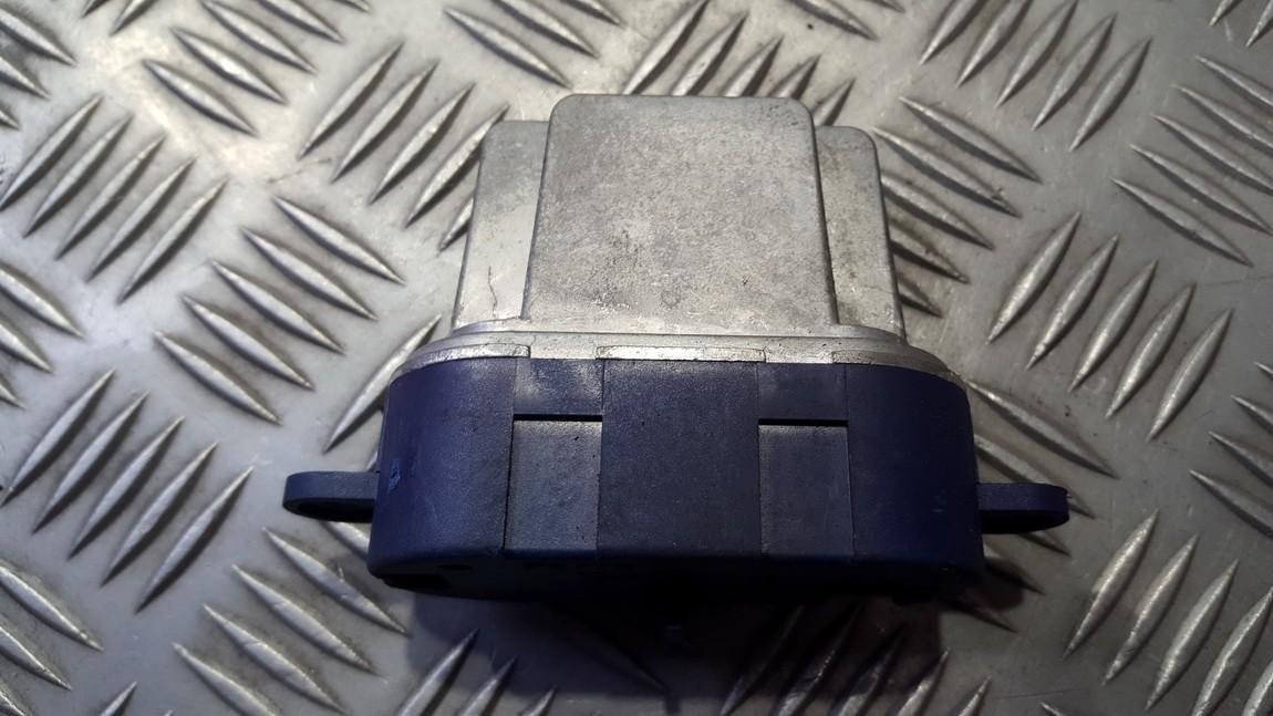 Резистор отопителя Renault Laguna 2002    1.8 5248521812V