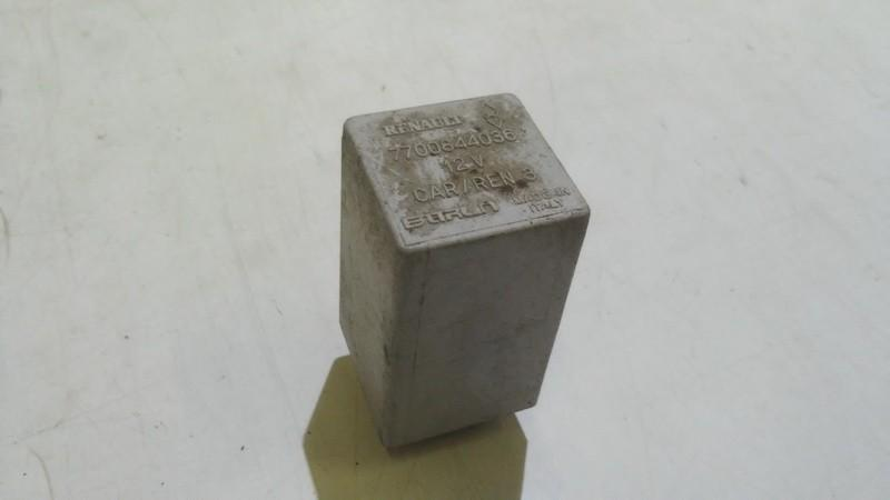 Блок электронный Renault Megane 1997    1.8 7700844036