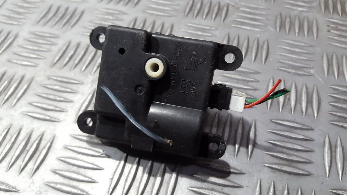 Электродвигатель заслонки отопителя Nissan Almera Tino 2003    1.8 2K00130840