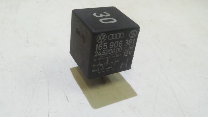 165906381 24.5200.00,30 Relay module Audi A6 1999 2.4L 4EUR EIS00300421