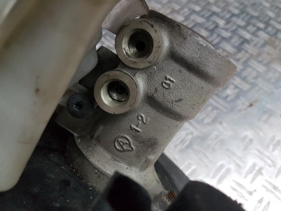 Pagrindinis stabdziu cilindras used used Volvo V50 2005 2.4