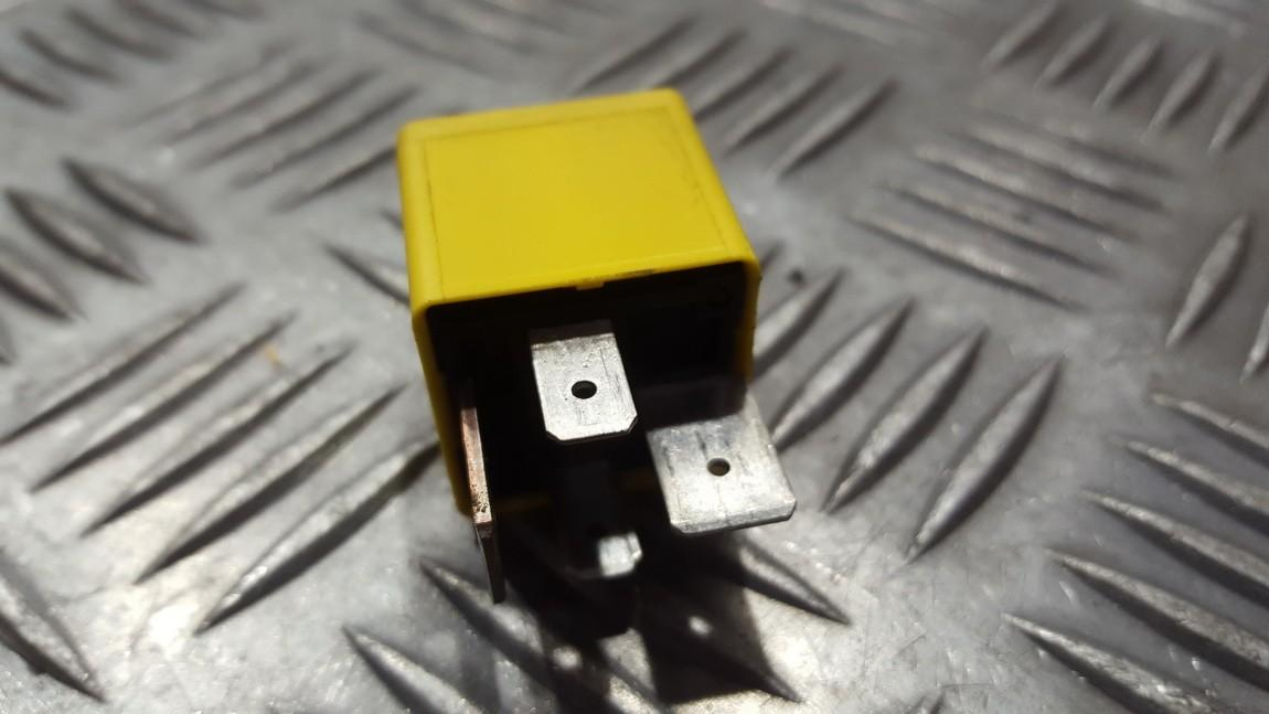 Блок электронный 90226846 v23134-j52-x369 Opel VECTRA 1998 2.0