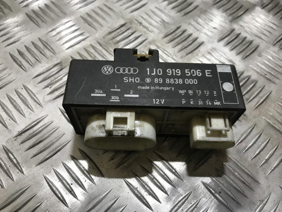 Блок управления вентилятором 1j0919506e 898838000 Audi A3 1997 1.8