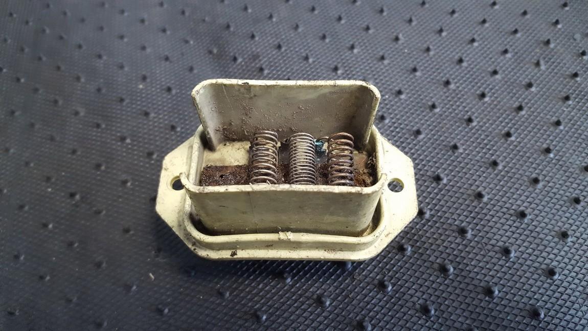 Peciuko reostatas 443959127 USED Audi 100 1993 2.0