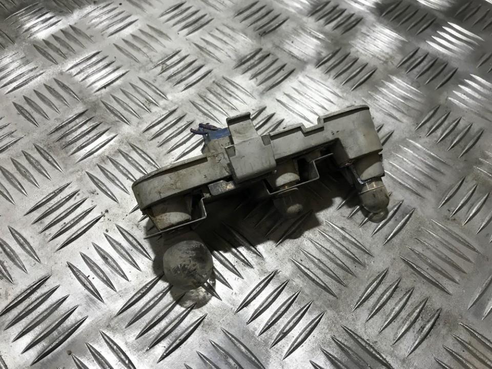 Накладка заднего крыла правого Volvo S40 2000    1.9 28562001