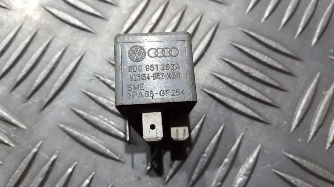 Rele 8d0951253a v23134-b52-x301, v23134b52x301 Volkswagen PASSAT 1997 1.9