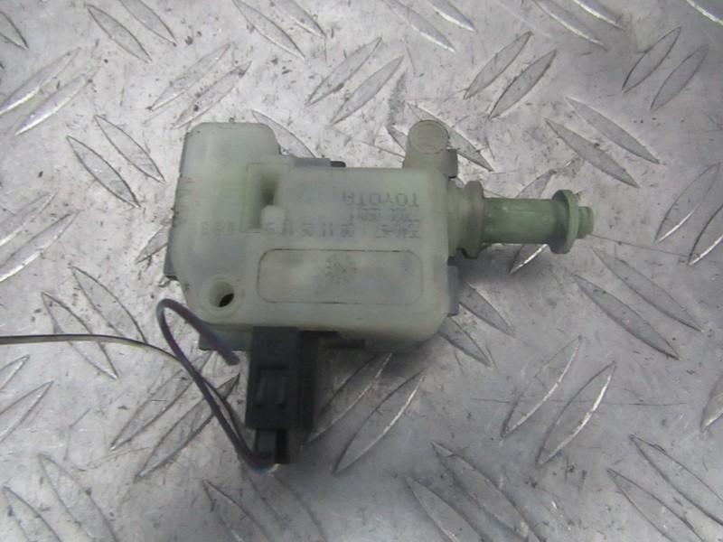 Fuel Flap Motor Toyota Avensis 2004    1.8 7703005011