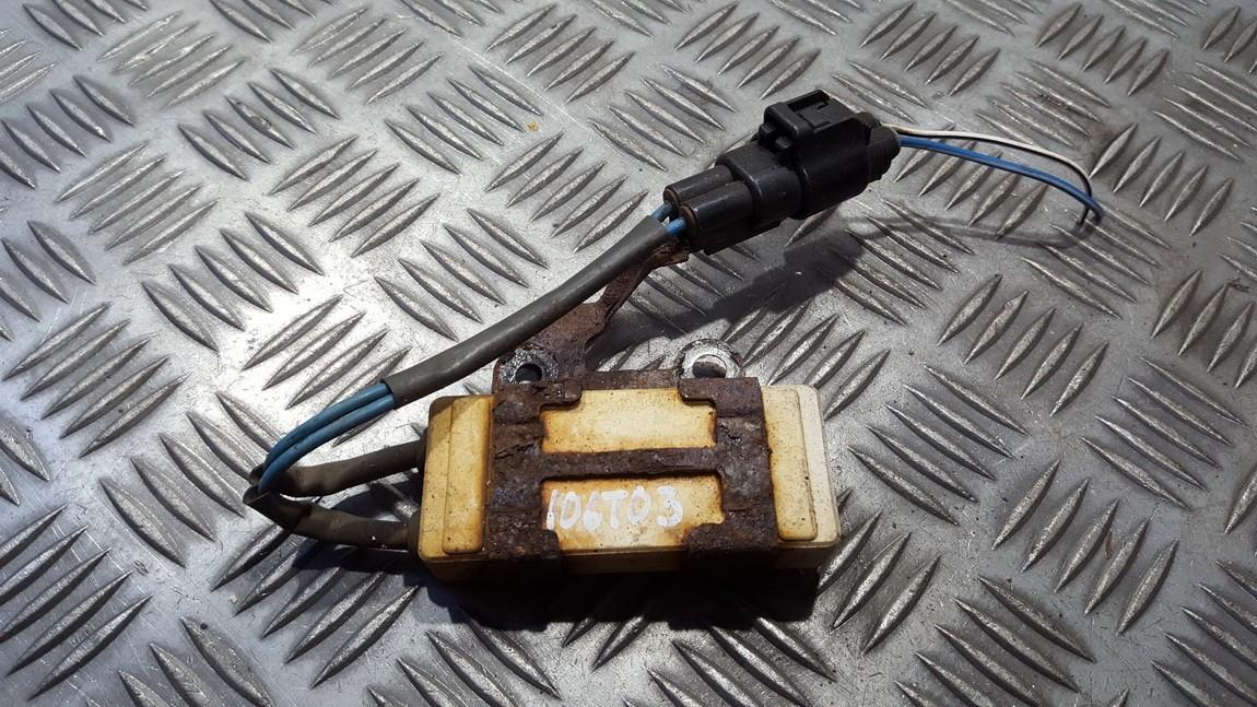 Blower Fan Regulator (Fan Control Switch Relay Module)  Toyota Avensis 2004    0.0 2468103560