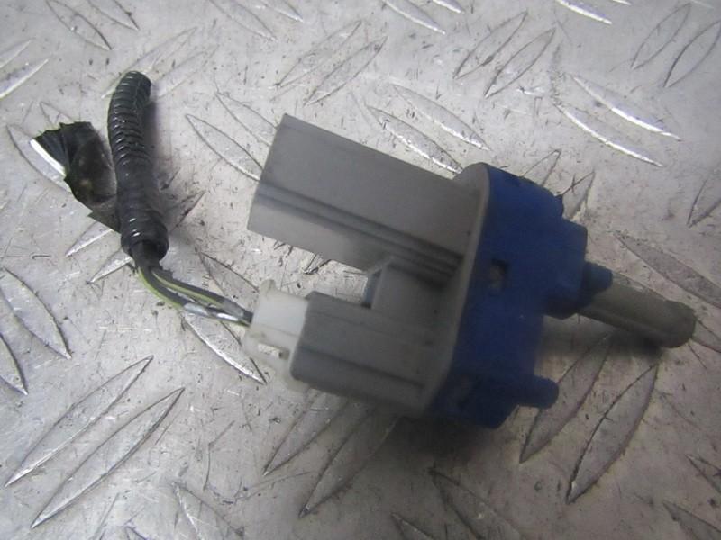 Датчик включения стоп-сигнала Mazda 3 2005    1.6 bp4k