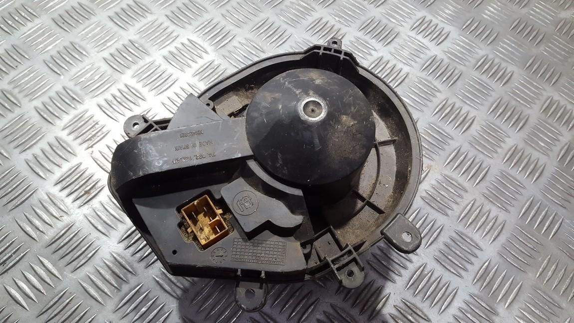 Heater blower assy Volkswagen Passat 2001    0.0 8D1820021
