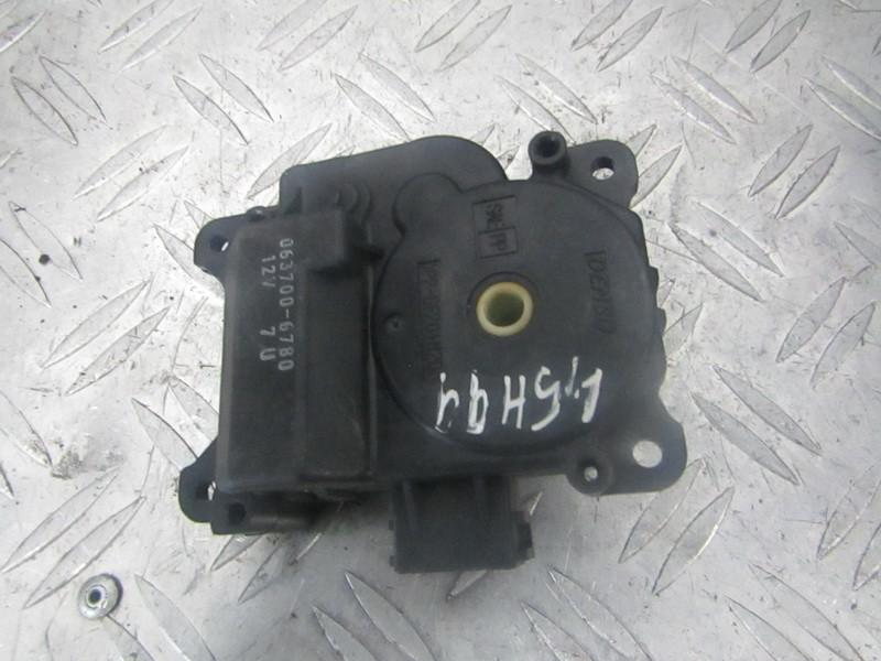 Heater Vent Flap Control Actuator Motor Honda Accord 1999    1.8 0637006780