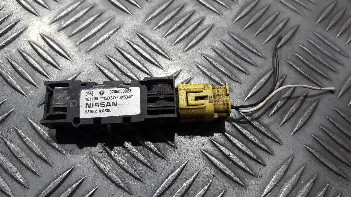Srs Airbag crash sensor Nissan Micra 2004    1.8 0285003023
