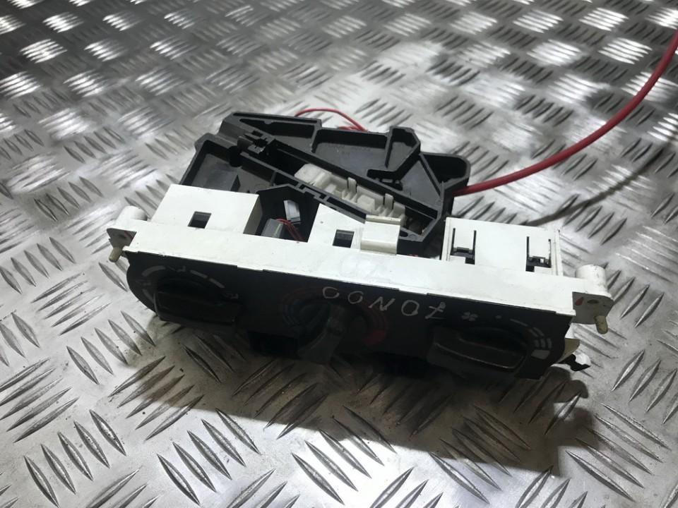 Climate Control Panel (heater control switches) Nissan Primera 1998    0.0 7030230733