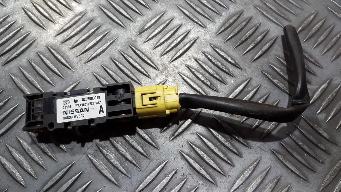 Srs Airbag crash sensor Nissan Primera 2004    2.0 0285003019