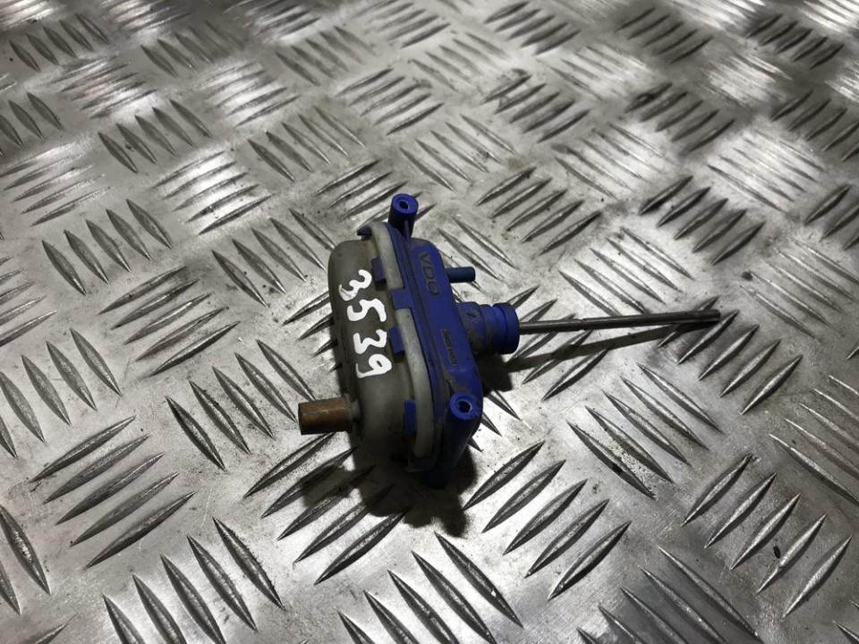 Duru uzrakto vakuumine pompele 893862153e used Audi 80 1989 1.8