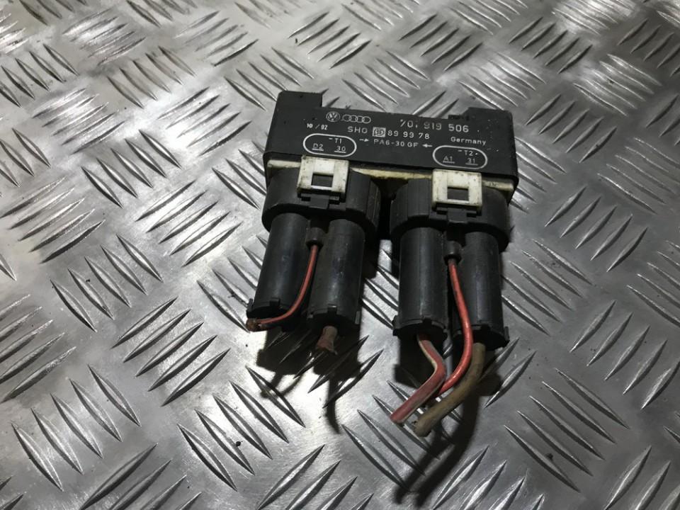 Blower Fan Regulator (Fan Control Switch Relay Module)  Volkswagen Transporter 2001    2.4 701919506
