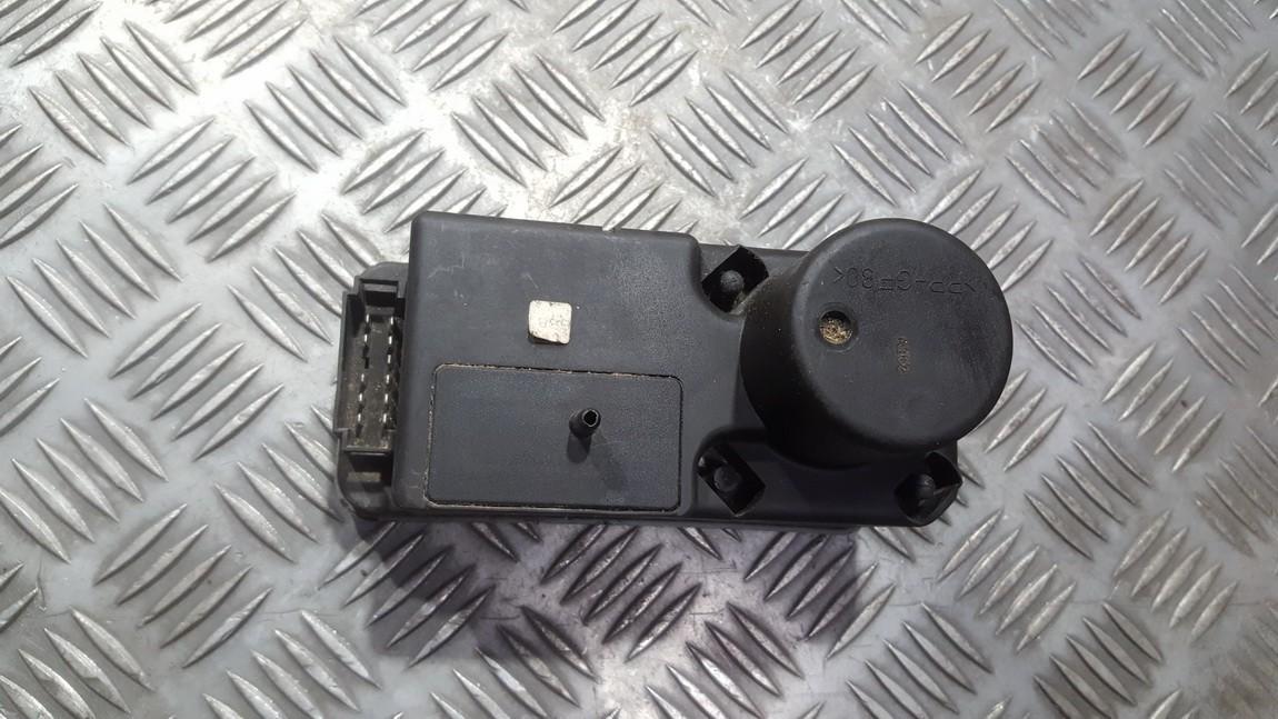Вакуумное устройство системы Volkswagen Golf 1998    1.8 1h0962257