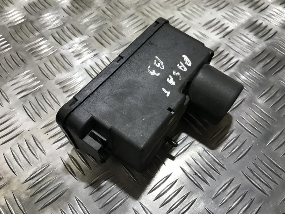 Вакуумное устройство системы Volkswagen Passat 1992    0.0 357962257