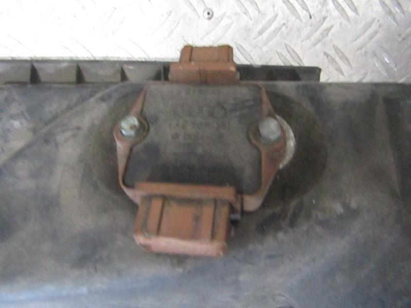 Коммутатор Audi A4 1998    2.8 4a0905351