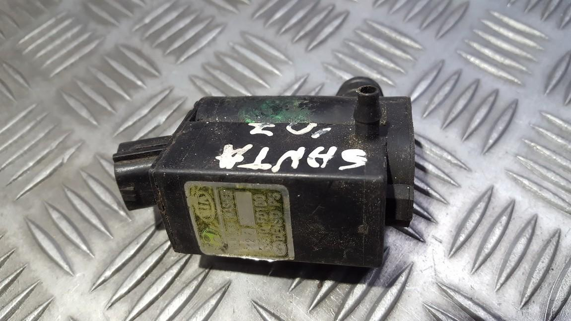 Windshield Windscreen Washer Pump Kia Sorento 2004    2.4 98510FD100