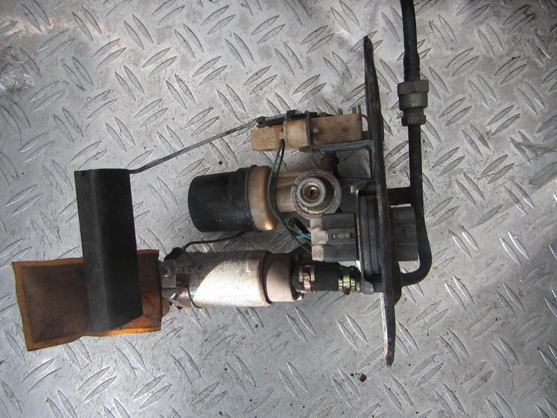 Топливный насос в баке Toyota Avensis 1999    1.6 used