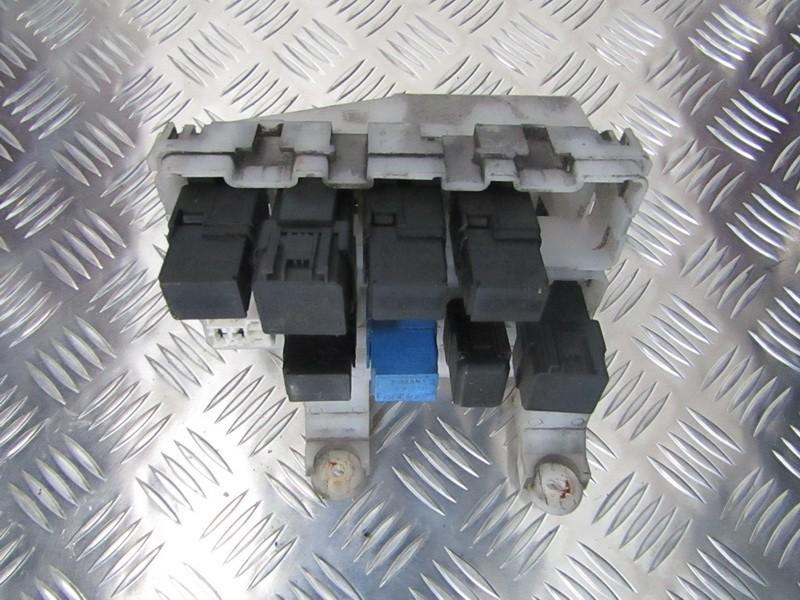 Nissan Almera Fuse Box