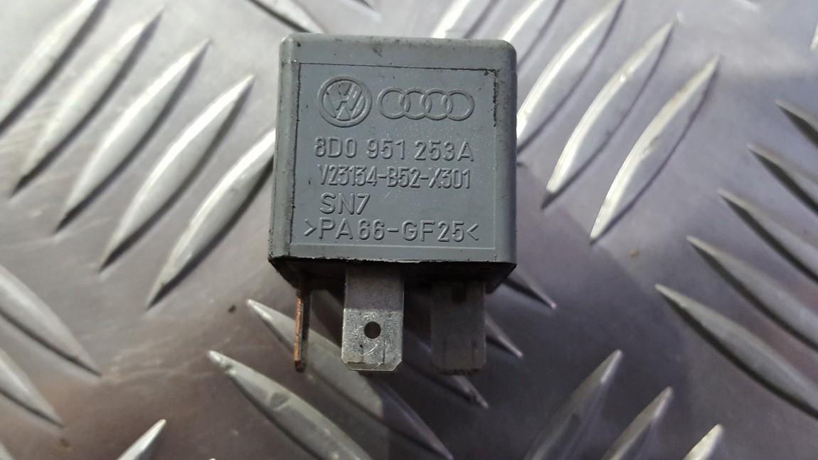 Rele 8d0951253a v23134-b52-x301, v23134b52x301 Volkswagen PASSAT 1999 1.9