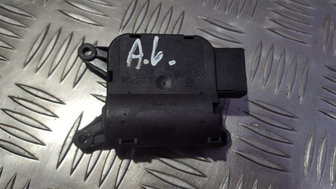 кронштейн моторчика заслонки отопителя 0132801358 CZ116880-3032 Audi A6 1998 2.5