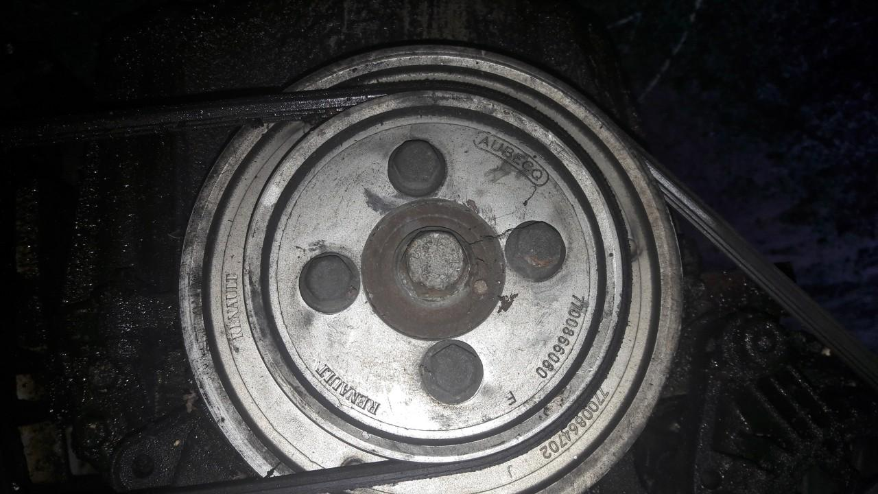 Renault  Scenic Alkuninio veleno dantratis (skyvas - skriemulys)