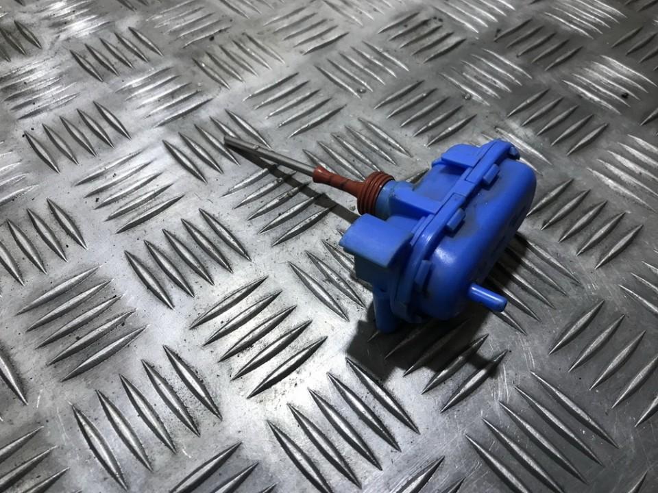 Duru uzrakto vakuumine pompele 4a0862153a used Audi 100 1993 2.5