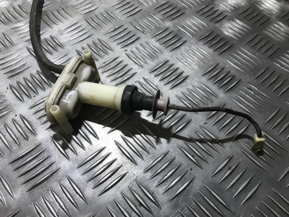 Duru uzrakto vakuumine pompele 893862153a used Audi 80 1990 2.0