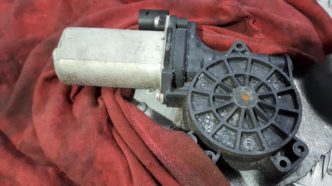 Duru lango pakelejo varikliukas P.D. 128000842D 128000842-D, 5YY0043, 9030256, 3J2112G Dacia SANDERO 2014 1.5