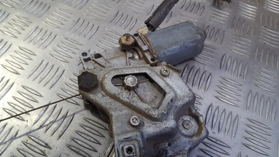 Моторчик стеклоподъемника - задний левый 893839397A 893959801C Audi 80 1992 2.0