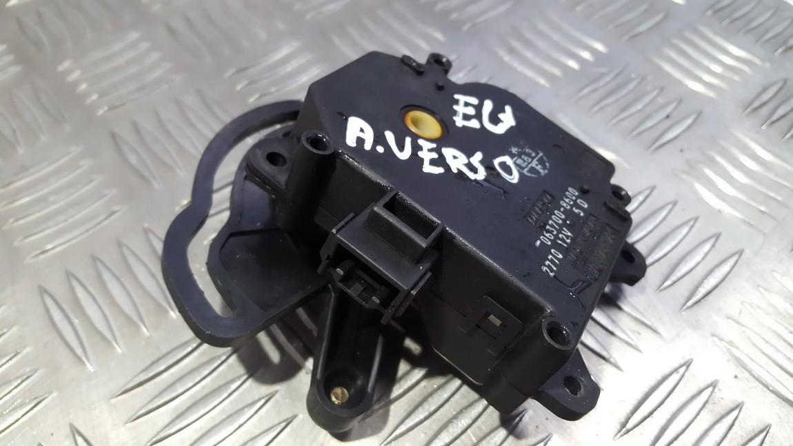 Peciuko sklendes varikliukas 0637008600 063700-8600 Toyota AVENSIS VERSO 2001 2.0