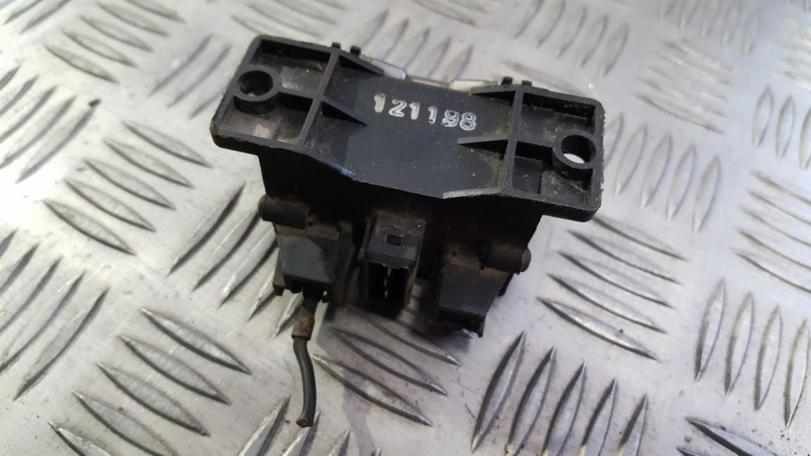 Zvakiu Pakaitinimo rele 191911261b 89901 Volkswagen GOLF 1992 1.8