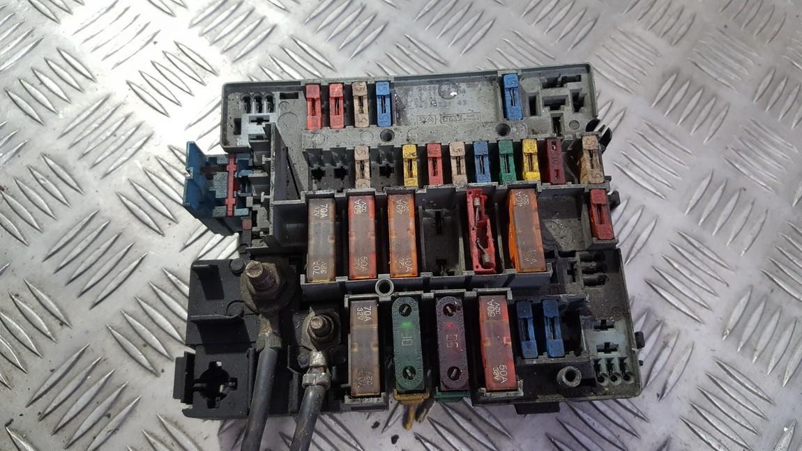 fuse box on a citroen xsara picasso citroen xsara picasso  n68  fuse box 962824480 4609426  citroen xsara picasso  n68  fuse box