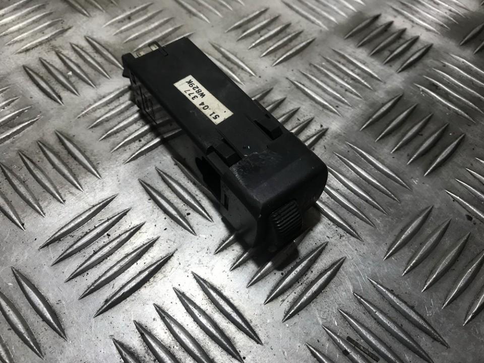 Sedyniu sildymo mygtukas 5104377 used SAAB 9-5 1998 3.0
