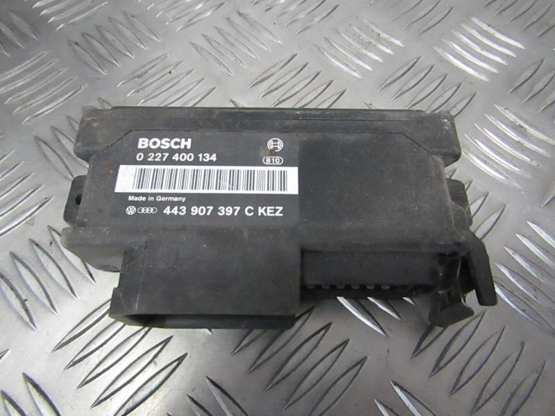 Kiti kompiuteriai 0227400134 443907397C Audi 80 1988 1.6